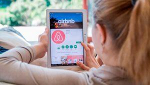 AIRBNB et PAP proposent de l'aide au personnel médical pour trouver des logements gratuits